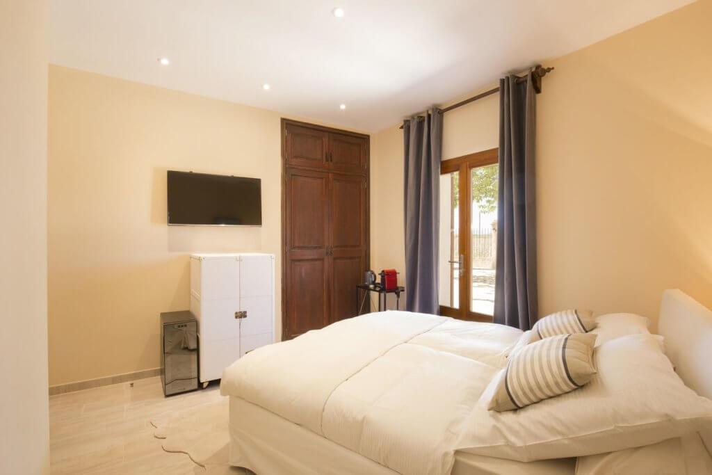 A comfortable Double Room - EsPouet
