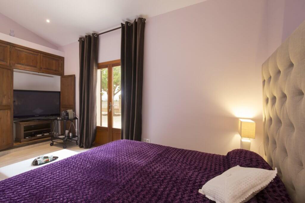 Purple Room Garten View