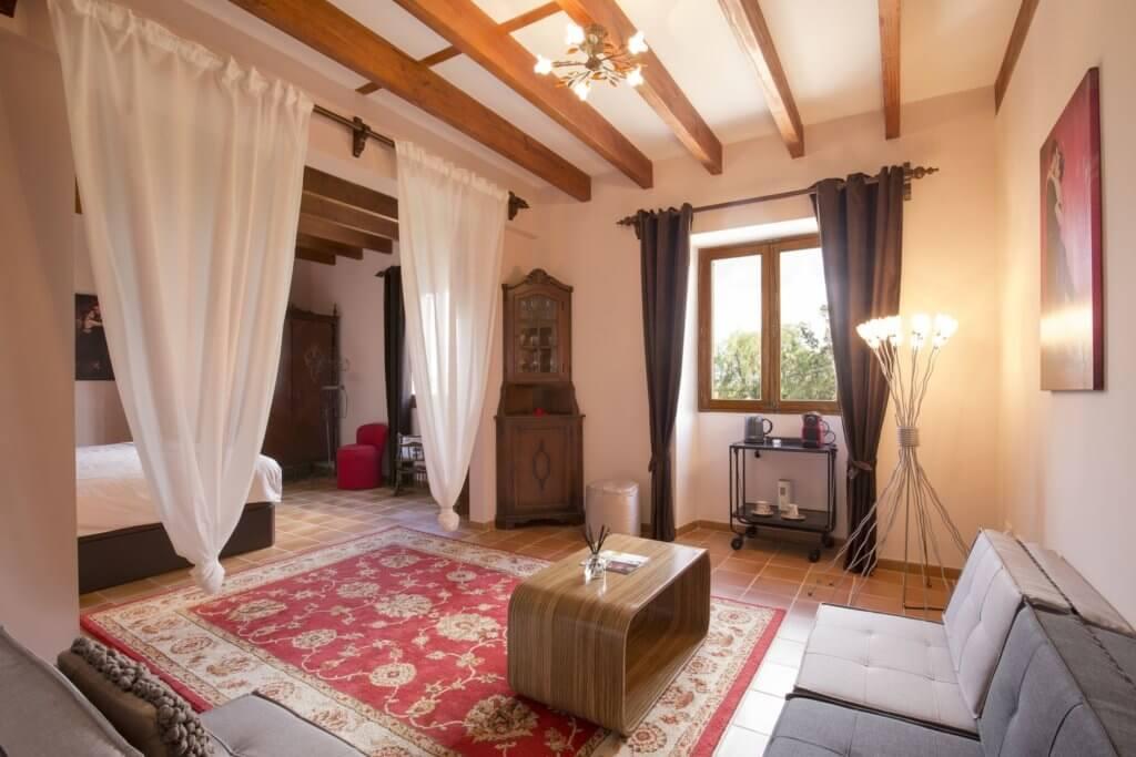 Suite: first bedroom